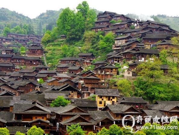 贵州旅游攻略自助游 西江千户苗寨让你体验贵州名族风情